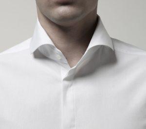 collar curled inside